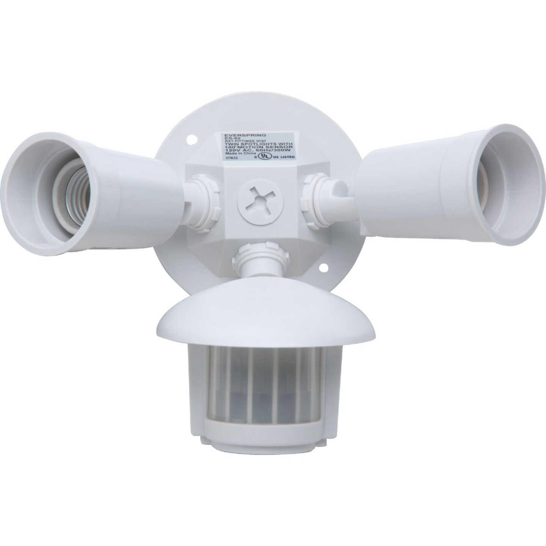 White Motion Sensing Dusk To Dawn Incandescent Floodlight Fixture Image 3